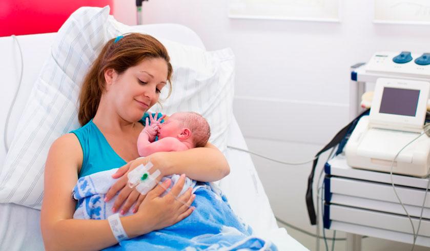 Nacimiento por cesárea, ¿es posible generar el vínculo afectivo desde el primer minuto de vida?