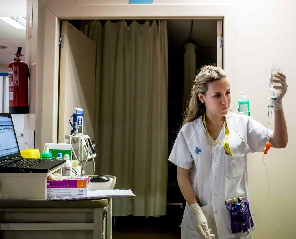 La importancia de hacer un máster de enfermería cuando terminas la carrera