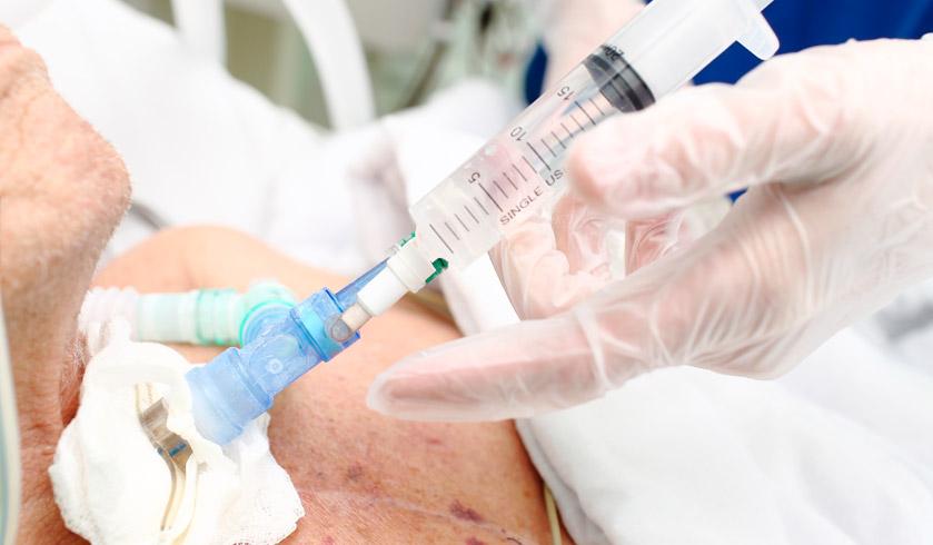Precauciones y cuidados en la aspiración de secreciones a través de una traqueostomía o tubo orotraqueal